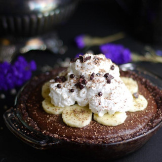 Raw Chocolate Hemp Banana Pie