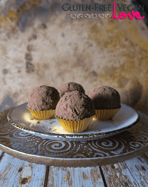 Gluten-Free Vegan Chocolate Rum Balls {also raw, paleo, and refined sugar-free}