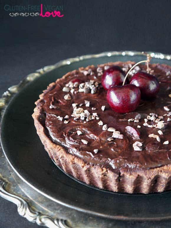 Paleo and Gluten-Free Vegan Chocolate Black Cherry Tart | Gluten-Free Vegan Love