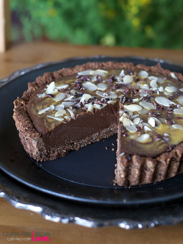 Paleo and Gluten-Free Vegan Mango Carob Tart {AIP-Friendly, Refined Sugar-Free}