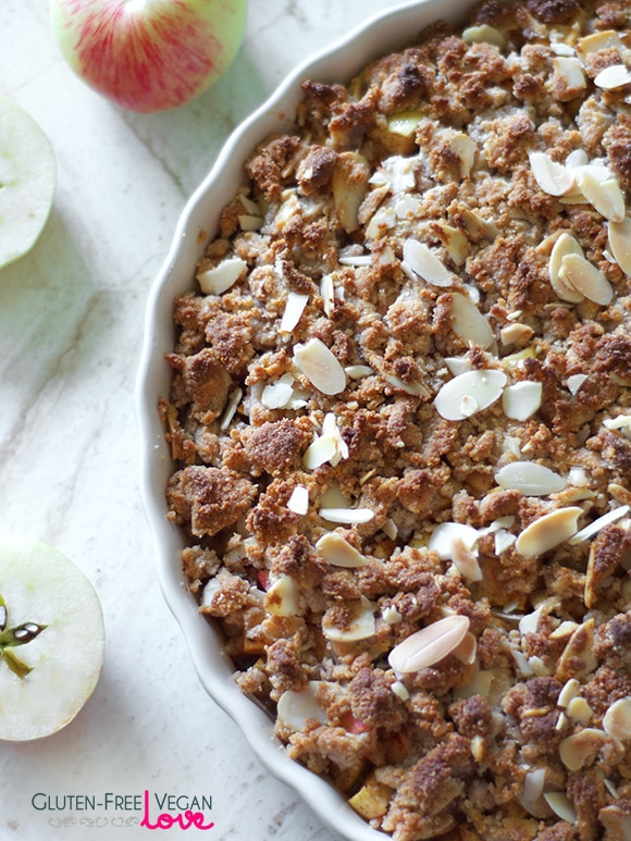 Simple Paleo, Gluten-Free, and Vegan Apple Crisp Recipe {Refined Sugar-Free, SCD}