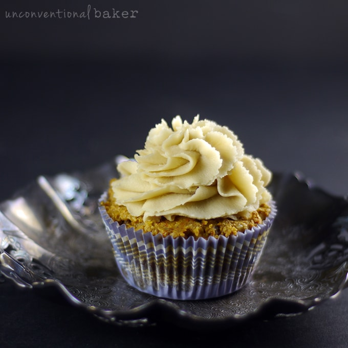 raw carrot cake cupcakes