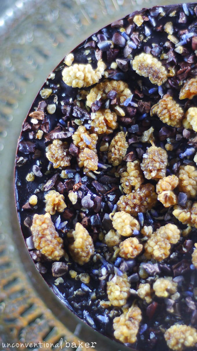 Nut-Free Flourless Chocolate Cake {Raw, Vegan, Gluten-Free, Paleo, Refined Sugar-Free}