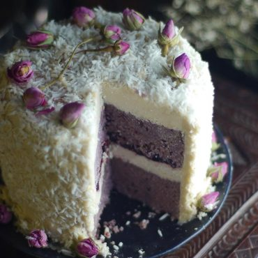 Blackberry Coconut Cake (No-Bake & Free-From: gluten & grains, dairy, nuts, and refined sugar)