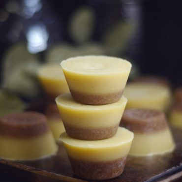 White Chocolate and Coconut Fudge Cups (Raw & Free From Dairy & Refined Sugar)