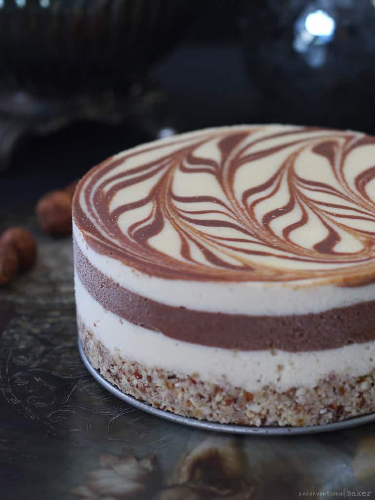 raw strawberry chocolate swirl cake -- vegan and gluten-free