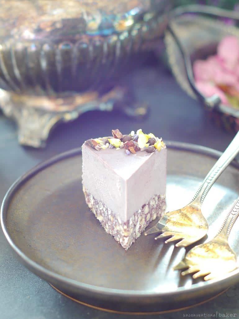 raw maqui lavender dairy-free cheesecake (vegan, gluten-free, refined sugar-free)