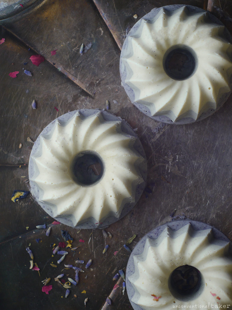 dairy-free white chocolate cakes (vegan and refined sugar-free)